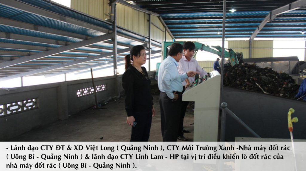 Đại diện nhà máy rác & giám đốc công ty tại khu vực xử lý của nhà máy
